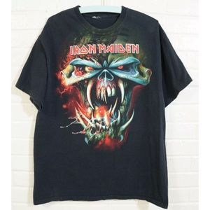 253a8e1d Vintage Shirts   Iron Maiden Tshirt Xl 2010 The Final Frontier ...